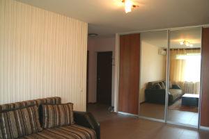 1-комнатная квартира посуточно в Харькове. Дзержинский район, ул. 23 августа, 26. Фото 1