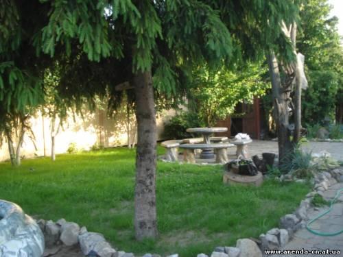 Дом  посуточно в Чернигове. Деснянский район, пр-т Мира, 1. Фото 1