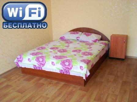 1-комнатная квартира посуточно в Кременчуге. ул. Цюрупы, 35. Фото 1