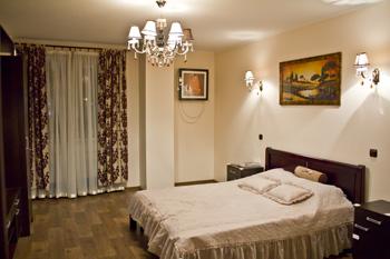 2-комнатная квартира посуточно в Харькове. Дзержинский район, ул. Сухумская, 24. Фото 1