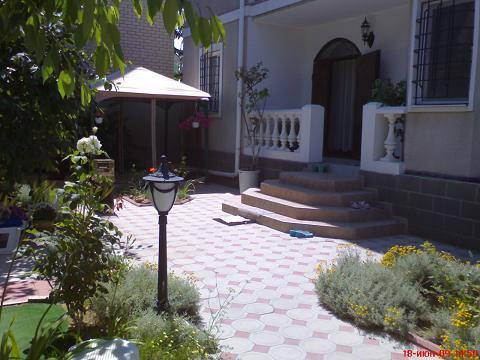 3-комнатная квартира посуточно в Каролино-Бугазе. Нагорная, 1. Фото 1