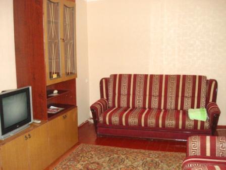 1-комнатная квартира посуточно в Кременчуге. ул. Щорса, 39. Фото 1
