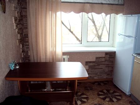 1-комнатная квартира посуточно в Кременчуге. ул. Первомайская, 42-А. Фото 1