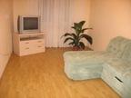 2-комнатная квартира посуточно в Донецке. Киевский район, ул. Университетская, 63. Фото 1