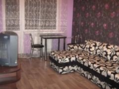 1-комнатная квартира посуточно в Донецке. Калининский район, б-р. Шевченка, 97. Фото 1