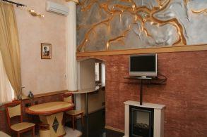 2-комнатная квартира посуточно в Киеве. Шевченковский район, ул. Пушкинская, 9. Фото 1
