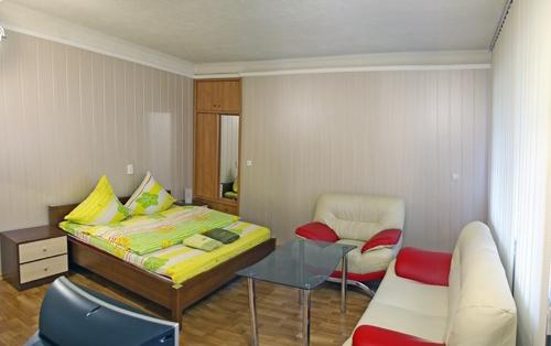 1-комнатная квартира посуточно в Запорожье. Орджоникидзевский район, б-р Центральный, 18. Фото 1