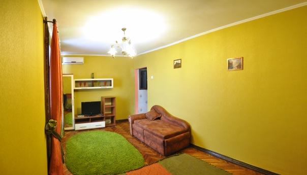 1-комнатная квартира посуточно в Николаеве. Центральный район, ул. К. Либкнехта, 4. Фото 1
