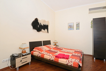 1-комнатная квартира посуточно в Киеве. Подольский район, ул. Ярославская, 29. Фото 1