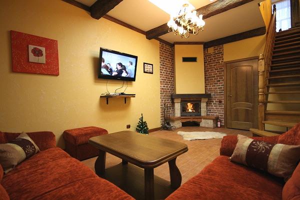 2-комнатная квартира посуточно в Львове. Галицкий район, ул. О.Кобылянской, 14. Фото 1