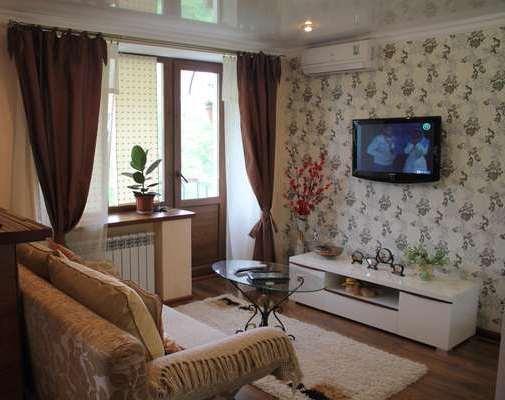 1-комнатная квартира посуточно в Днепропетровске. Бабушкинский район, Днепропетровск, Глинки,, 15. Фото 1