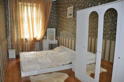 2-комнатная квартира посуточно в Одессе. Приморский район, ул. Дерибасовская, 14. Фото 1
