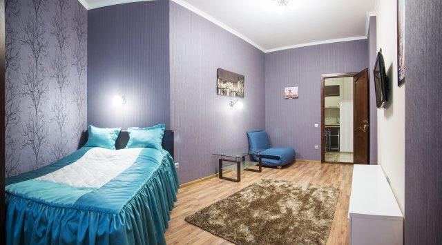 2-комнатная квартира посуточно в Одессе. Приморский район, ул. Среднефонтанская , 19а. Фото 1