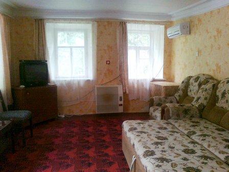 Дом  посуточно в Бердянске. ул. Мазина, 11. Фото 1