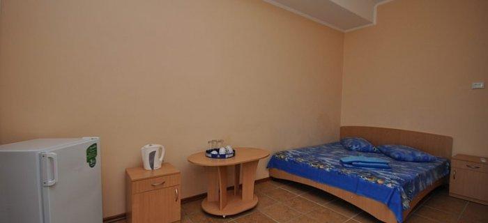Мини-отель  посуточно в Генической Горке. ул. Набережная, 58. Фото 1