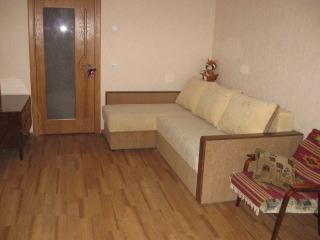 1-комнатная квартира посуточно в Ивано-Франковске. ул. Хоткевича, 85. Фото 1