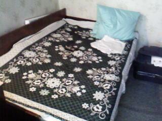 1-комнатная квартира посуточно в Евпатории. ул. Революции, 23. Фото 1