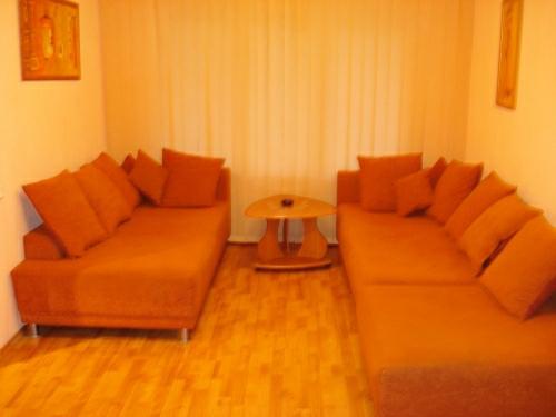 2-комнатная квартира посуточно в Запорожье. Жовтневый район, ул. Украинская, 57. Фото 1