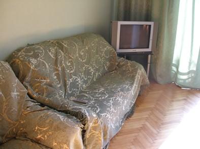3-комнатная квартира посуточно в Севастополе. Ленинский район, ул. Ленина, 18. Фото 1