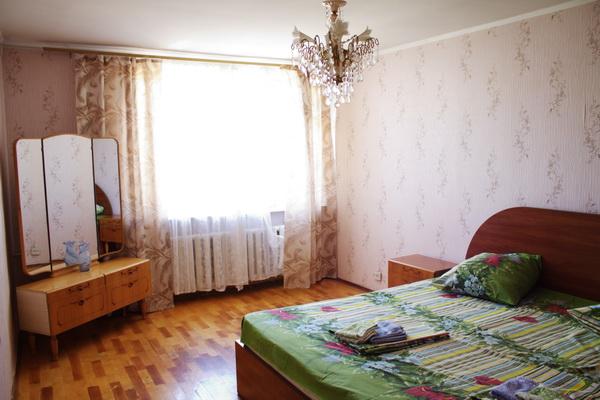 3-комнатная квартира посуточно в Севастополе. Гагаринский район, ул. Героев Бреста, 47. Фото 1