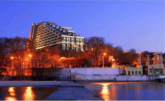 2-комнатная квартира посуточно в Одессе. Приморский район, ул.Гагаринское плато. Фото 1
