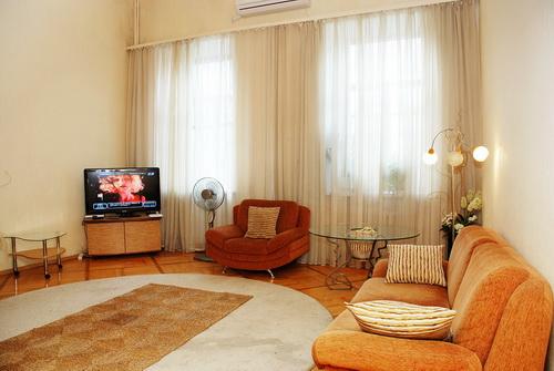 3-комнатная квартира посуточно в Киеве. Шевченковский район, ул. Пушкинская, 9. Фото 1