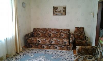 1-комнатная квартира посуточно в Кременчуге. ул. Пушкина, 8. Фото 1