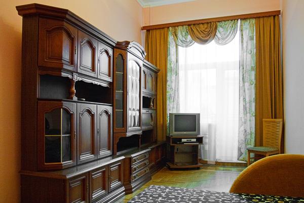 1-комнатная квартира посуточно в Киеве. Шевченковский район, ул. Пушкинская, 24б. Фото 1