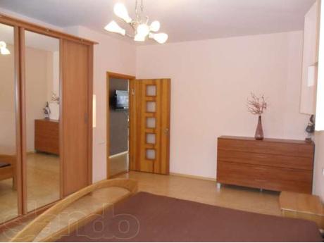 1-комнатная квартира посуточно в Миргороде. ул. Гоголя, 88. Фото 1