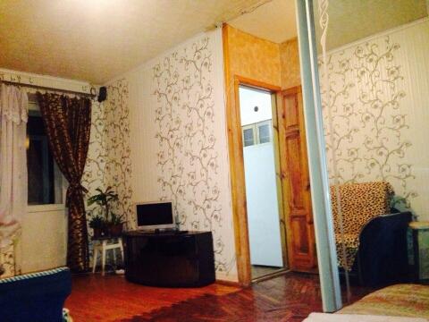 1-комнатная квартира посуточно в Днепропетровске. Октябрьский район, пр-т Гагарина, 20. Фото 1