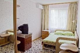 2-комнатная квартира посуточно в Алуште. ул. Судакская. Фото 1