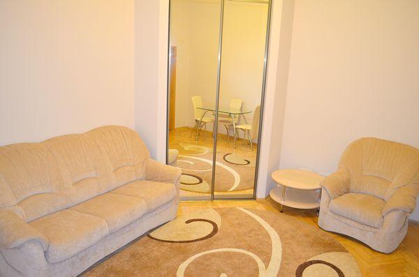 2-комнатная квартира посуточно в Львове. Галицкий район, ул. Рылеева, 9. Фото 1