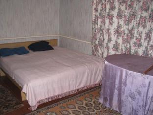2-комнатная квартира посуточно в Днепродзержинске. ул. Медицинская, 4. Фото 1