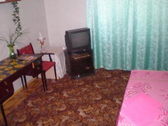 1-комнатная квартира посуточно в Запорожье. Ленинский район, ул. Лобановского, 9. Фото 1