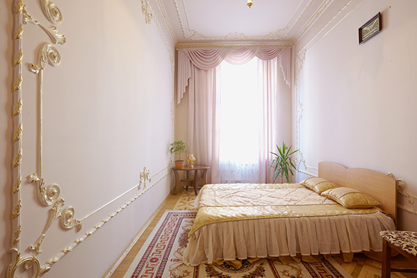 3-комнатная квартира посуточно в Львове. Галицкий район, ул. Братьев Рогатинцев, 28. Фото 1