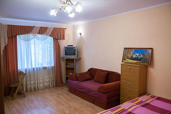 1-комнатная квартира посуточно в Трускавце. ул. Ивасюка , 1. Фото 1