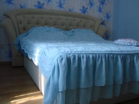2-комнатная квартира посуточно в Севастополе. Ленинский район, ул. Ленина, 19. Фото 1