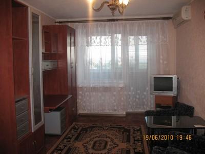 1-комнатная квартира посуточно в Бердянске. ул. Правды, 3. Фото 1