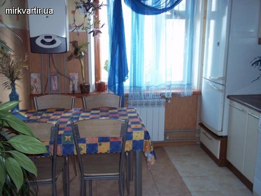 2-комнатная квартира посуточно в Бердянске. пр.Пролетарский, 228. Фото 1