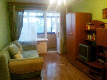 1-комнатная квартира посуточно в Бердянске. ул. Первомайская, 34. Фото 1