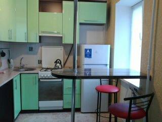 1-комнатная квартира посуточно в Кременчуге. ул. Коцюбинского, 4. Фото 1