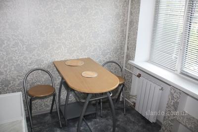1-комнатная квартира посуточно в Киеве. Днепровский район, ул. Энтузиастов, 47. Фото 1