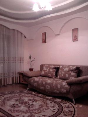1-комнатная квартира посуточно в Киеве. Святошинский район, ул. В. Блюхера, 4. Фото 1