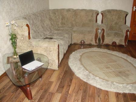2-комнатная квартира посуточно в Севастополе. Ленинский район, ул. Бастионная 7, 5-я. Фото 1