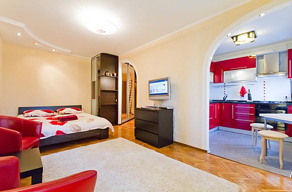 1-комнатная квартира посуточно в Киеве. Печерский район, бул. Леси Украинки, 10а. Фото 1
