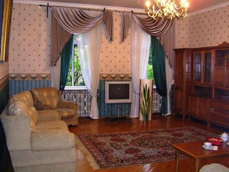 3-комнатная квартира посуточно в Одессе. Приморский район, Дерибасовская/Горсад , 10. Фото 1