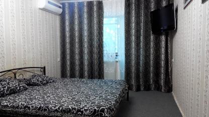 1-комнатная квартира посуточно в Донецке. Ворошиловский район, ул. 50лет СССР, 112. Фото 1