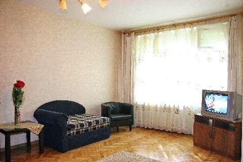 1-комнатная квартира посуточно в Северодонецке. ул. Курчатова, 11. Фото 1