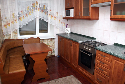 3-комнатная квартира посуточно в Борисполе. пер. Бабкина. Фото 1