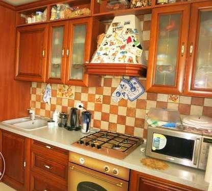 2-комнатная квартира посуточно в Киеве. Печерский район, Кловский спуск, 18. Фото 1